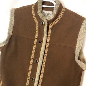 Authentic travel wear tan vest with pockets Sz L